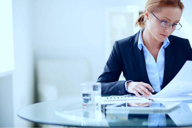 Darf im Arbeitszeugnis der Kündigungsgrund stehen?