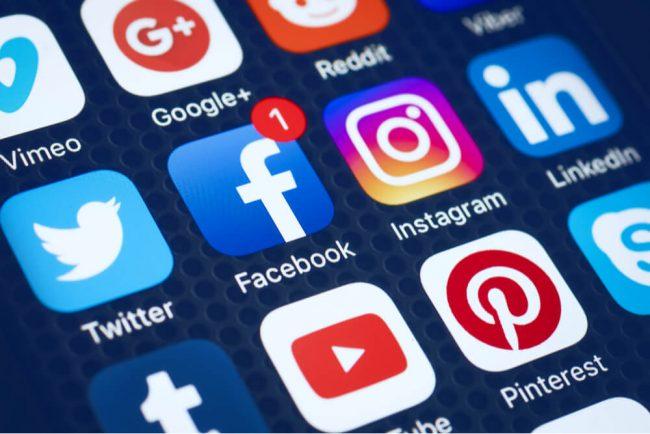 Soll ich meine Social-Media-Links in der Bewerbung nennen?