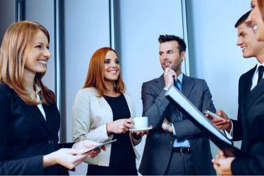 Welche Netzwerke helfen bei der Jobsuche?