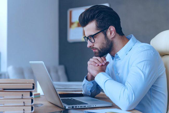 Wie lässt sich die berufliche Neuorientierung im Anschreiben begründen?