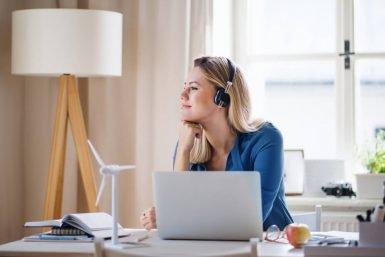 Kann ich im Home Office meine Arbeitszeiten frei wählen?